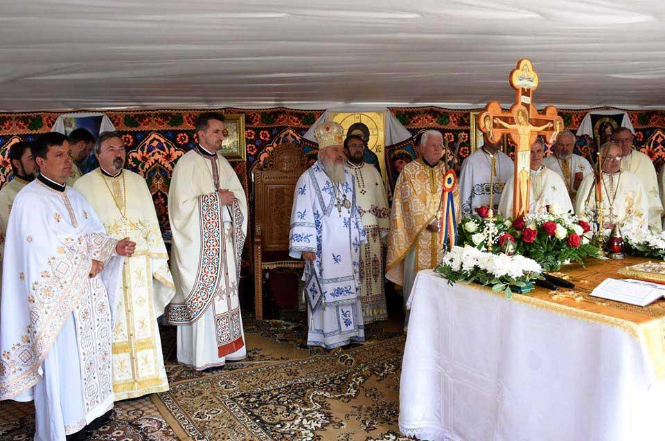 "<a class=""imagineslider-posttitle-link"" href=""http://www.protopopiatulbeclean.ro/mitropolitul-clujului-a-resfintit-biserica-din-caianu-mic/"">Mitropolitul Clujului a resfintit Biserica din Căianu Mic</a>"