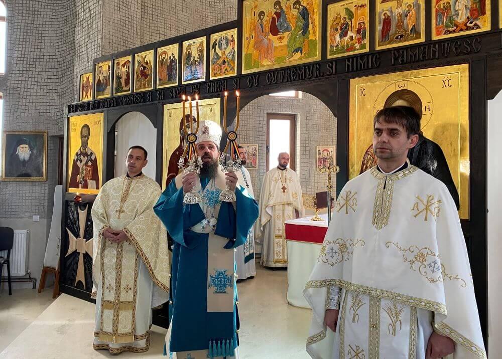 """<a class=""""imagineslider-posttitle-link"""" href=""""http://www.protopopiatulbeclean.ro/duminica-dinaintea-botezului-domnului-praznuita-la-manastirea-pantocrator-din-beclean/"""">Duminica dinaintea Botezului Domnului, praznuita la Manastirea Pantocrator din Beclean</a>"""