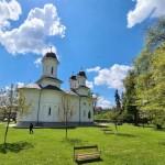 Sfinții Împărați Constantin și Elena, ocrotitorii Mănăstirii Dobric